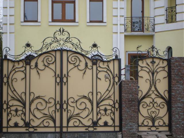 Ворота из кованного железа