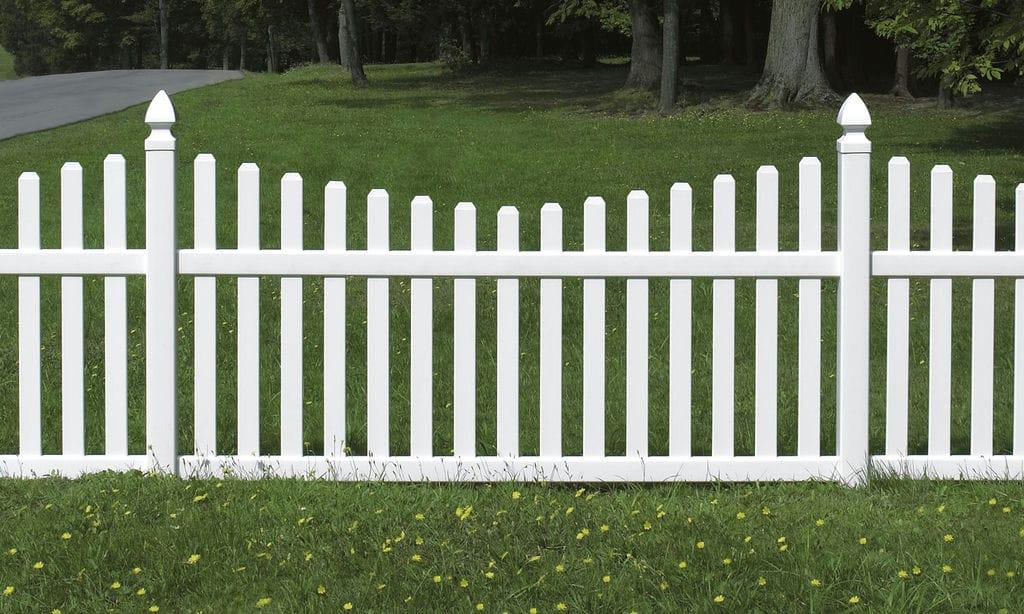 Деревянная ограда